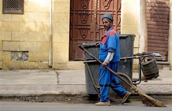 عمال النظافة.. شعبان: الإساءة تؤذينا نفسيا.. وعم نجاح: بتألم لما بنحني.. ورباب: بحلم بمعاش يسترني | فيديو