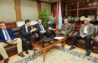 محافظ كفر الشيخ يبحث توسيع خدمات الصرف الصحي مع ممثلي بنك الاستثمارالأوروبي | فيديو وصور