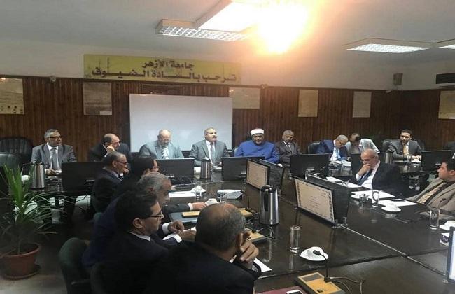 كيف حل مجلس جامعة الأزهر أزمة  نزيف الطلبة  على طريق النصر؟   تفاصيل -