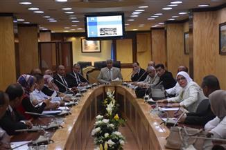 """محافظ أسوان يشكل لجنة لحصر مباني """"نجع السايح"""" لتعويض الأهالي وتطويرها   صور"""