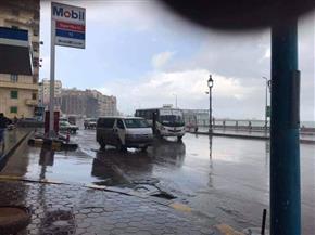لليوم الثاني.. استمرار هطول الأمطار الغزيرة على الإسكندرية