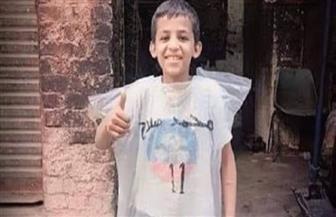 """تعرف على حكاية طفل ارتدى """"كيس بلاستيك"""" بسبب محمد صلاح"""