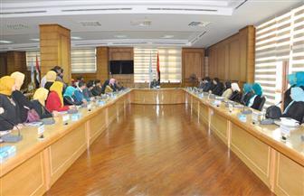 رئيس جامعة كفرالشيخ يجتمع بلجنة استقبال شباب الجامعات| صور
