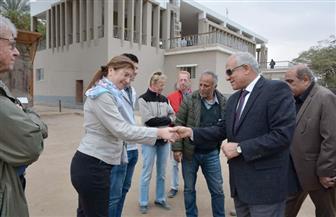 محافظ الجيزة يلتقي الوفود السياحية بمتحف ميت رهينة | صور