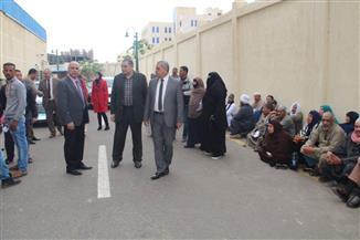 """رئيس جامعة كفر الشيخ يتفقد المستشفى الجامعي لمتابعة حملة """"100 مليون صحة"""""""