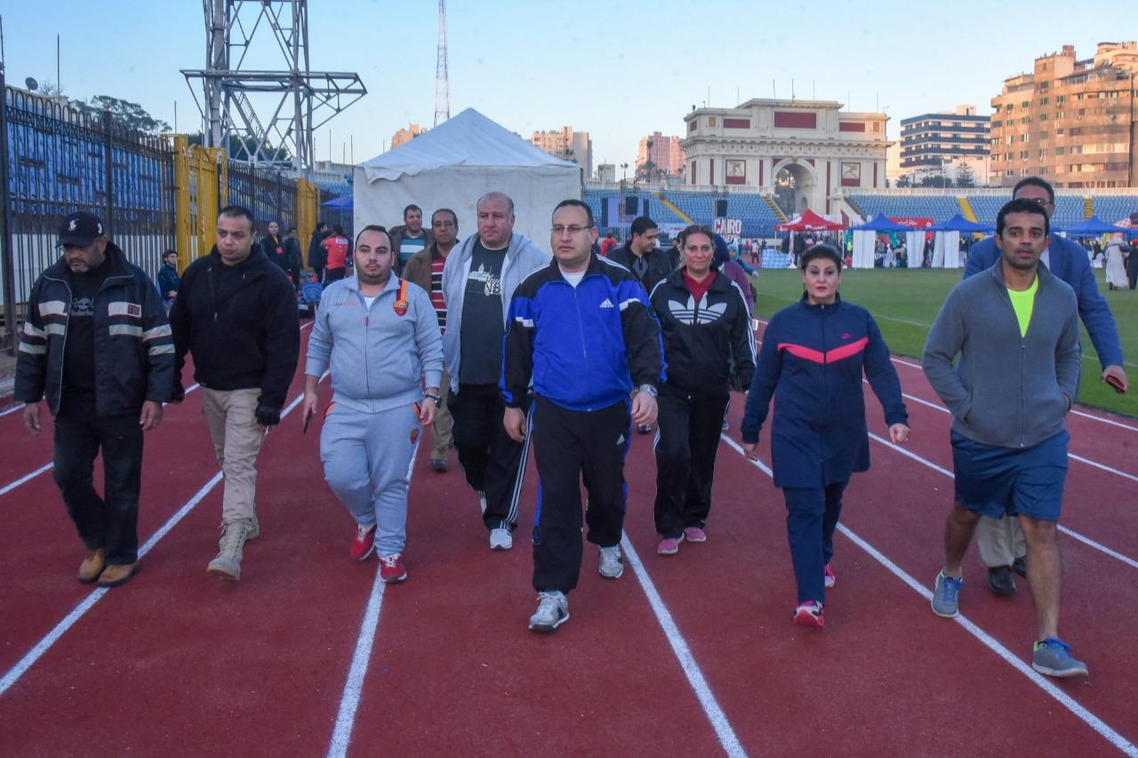 بمشاركة 2700 مشارك.. إنطلاق ماراثون رياضي من استاد الإسكندرية بمشاركة المحافظ  صور -