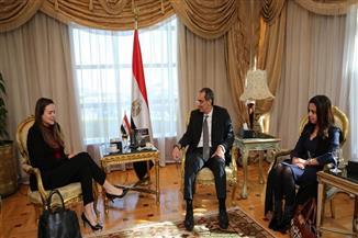 """وزير الاتصالات يبحث مع مسئولي """"أنديلا"""" التعاون المشترك في مجال البرمجيات بمصر وإفريقيا"""