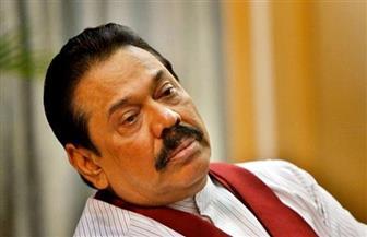 رئيس الوزراء المطاح به في سريلانكا يعود إلى منصبه لإنهاء الأزمة السياسية
