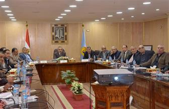 محافظ أسيوط يجتمع بأعضاء مجلس النواب لاستعراض سبل دعم وتطوير قطاع التعليم | صور
