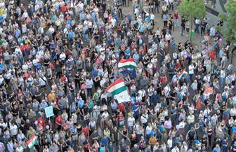 """""""عيد سعيد يا رئيس الوزراء"""".. شعار احتجاجات المجريين ضد قانون العمل قبل العام الجديد"""