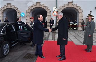 الرئيس السيسي يتوجه إلى البرلمان النمساوي ويبحث مع فولفاج عددا من القضايا الإقليمية والدولية