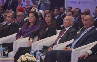 """مدبولي يشيد بجهود وزارة الهجرة والجهات المشاركة في تنظيم مؤتمر """"مصر تستطيع بالتعليم"""""""