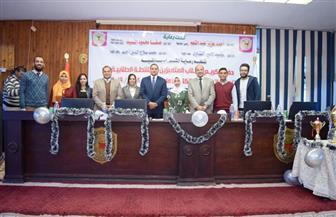 صيدلة سوهاج تكرم طلابها المتميزين وتحتفل بتنصيب اتحاد الكلية | صور