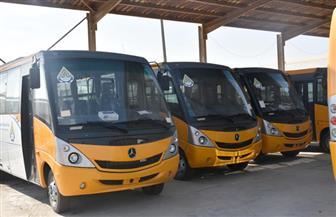 """20 أتوبيسا مكيفا مزودا بـ""""جي بي إس"""" وكاميرات مراقبة ينضم للعمل بمنظومة النقل في القاهرة الجديدة"""