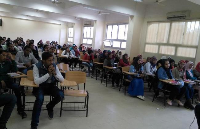 الشائعات ودورها فى عرقلة مسيرة التنمية في ندوة بإعلام قنا   صور -