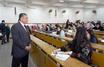 نائب رئيس جامعة عين شمس يتفقد لجان الامتحانات | صور