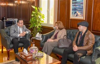 """""""قنصوة"""" يبحث تطوير حدائق الشلالات مع رئيس المعهد اليوناني لبحوث حضارة الإسكندرية"""