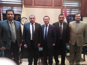 رئيس جامعة بني سويف يبحث سبل التعاون مع مدير شركة هواوي مصر