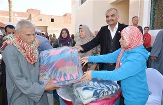 توزع 400 بطانية على المواطنين بالعياط والقرى الأكثر احتياجا| صور
