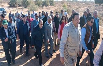 وزير الزراعة ومحافظ أسوان يتفقدان أعمال التطوير والتنمية بقرية كلابشة الجديدة