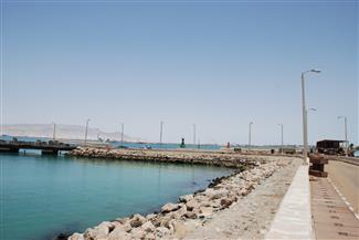 بدء أعمال تطوير الرصيف الجنوبي لميناء بورتوفيق بتكلفة 120 مليون جنيه | صور