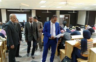 رئيس جامعة أسوان يتفقد امتحانات كلية الزراعة| صور