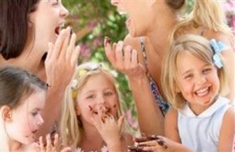 ماذا تفعل لو كان أبناء أصدقائك شياطين صغارا؟