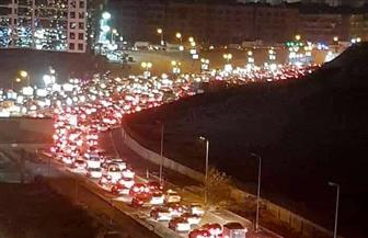 كثافات مرورية عالية على كوبري أكتوبر وكورنيش النيل