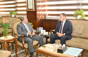 وزير التنمية المحلية يلتقي محافظ الشرقية لمتابعة المشروعات المتعثرة