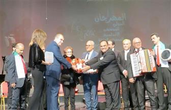 سفير مصر بالجزائر يحضر ختام مهرجان الموسيقى الأندلسية بدار الأوبرا الجزائرية  صور