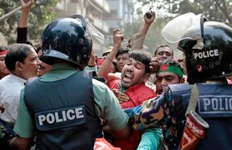عمال قطاع الملابس في بنجلاديش يتظاهرون للمطالبة بأجورهم المتأخرة