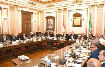مجلس جامعة القاهرة يناقش سير الامتحانات.. والخشت: تشكيل لجنة مختصة بكل كلية لمتابعتها | صور