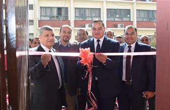 رئيس جامعة سوهاج يفتتح القاعات الدراسية الجديدة بكلية الصيدلة | صور