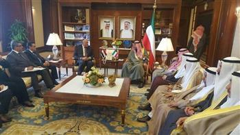 وزير الخارجية يناقش مع نظيره الكويتى آفاق العلاقات الثنائية المشتركة