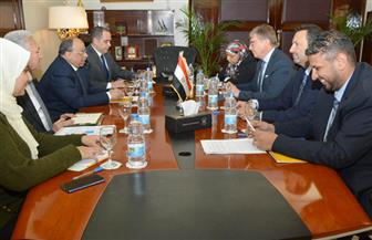 وزير التنمية المحلية يستقبل سفير الاتحاد الأوروبي بالقاهرة | صور