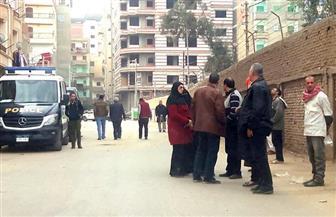 إخلاء 14 شقة من عقار بالمنصورة بعد حدوث ميل وتشققات | صور