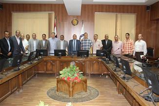 جامعة بني سويف تنظم دورات لتأهيل الأمن الإداري
