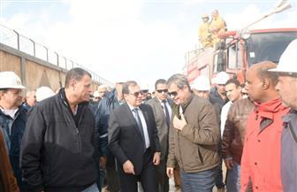 وزير البترول يكلف بتشكيل لجنة لإعداد تقرير بملابسات حريق الإسكندرية | صور