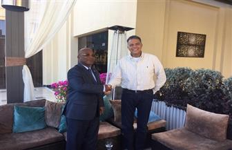 وزير النقل يلتقي نظيره الموزمبيقي لبحث التعاون في مجالات النقل | صور