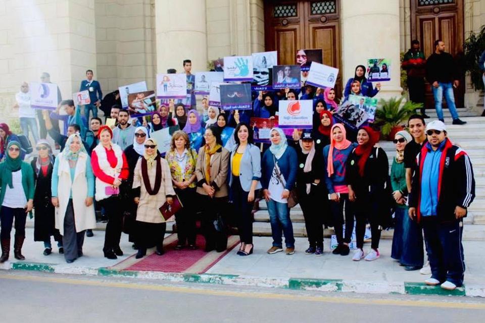 الخشت: جامعة القاهرة تهتم بقيم المساواة وتعزيز الوقاية للمرأة وحمايتها  صور -