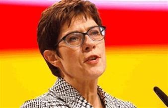 كرامب كارنباور تؤدي اليمين الدستورية أمام البرلمان الألماني وزيرة للدفاع