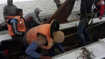 حملة  لإزالة التعديات المخالفة على بحيرة البرلس وضبط أدوات الصيد الجائر ومنع صيد الزريعة | صور