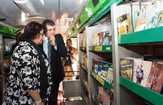 وزيرة الثقافة تشهد تفعيل المكتبات المتنقلة في حي الأسمرات | صور