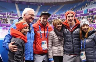 الرئيس الألماني يفاجئ فريق هوكي الجليد المشارك في أوليمبياد بيونجتشانج 2018