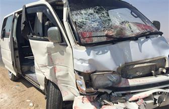 إصابة 9 أشخاص في حادث تصادم سيارتين بأبنوب
