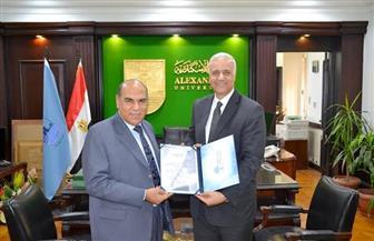 تعيين الدكتور مختار إبراهيم نائبا لرئيس جامعة الإسكندرية للدراسات العليا والبحوث | صور
