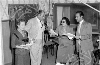 """صور نادرة لفريد شوقي مع """"عائلة مرزوق أفندي"""" بالإذاعة 1959"""