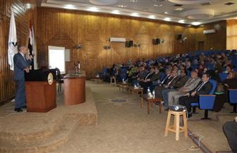 رئيس جامعة كفر الشيخ يلتقي أعضاء هيئة التدريس بكليات الطب   صور