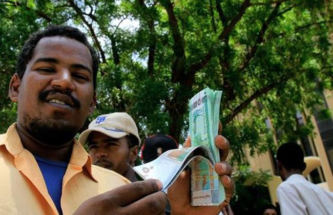التضخم يقفز فى السودان إلى 52% وسط انخفاض حاد فى العملة -