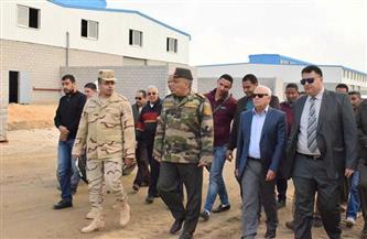 محافظ بورسعيد ومدير إدارة الأشغال العسكرية يتفقدان 118 مصنعا للشباب